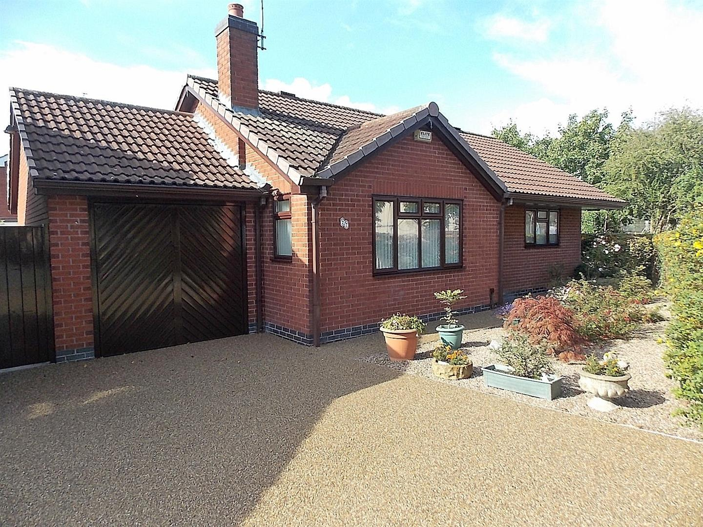 2 Bedrooms Detached Bungalow for sale in Chetwynd Road, Toton